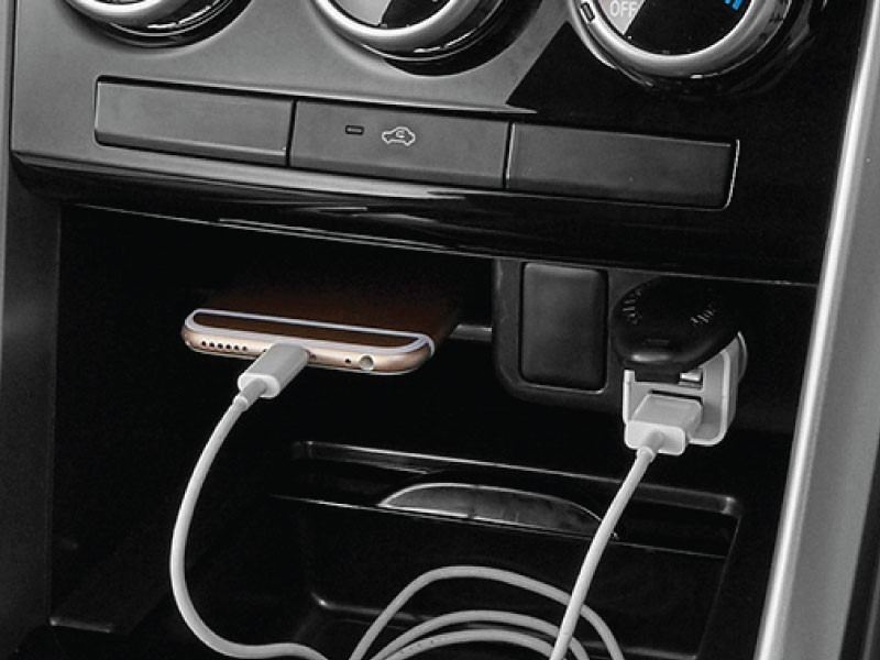 power-outlet-depan